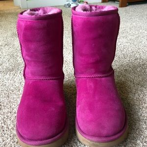 UGG Classic Short Boots Size 6